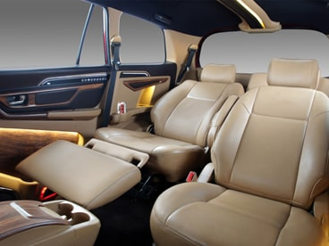 Toyota Innova 7 Seater Automatic Recliner