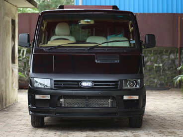 Tata Winger Front View